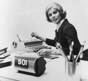 Vrouw met typemachine